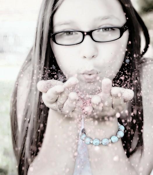 girl-blowing-glitter-113790_1280